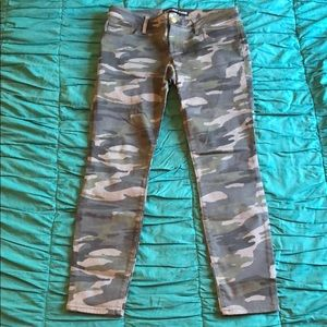 Express Camo Jeans Ankle Legging Size 8 NWOT